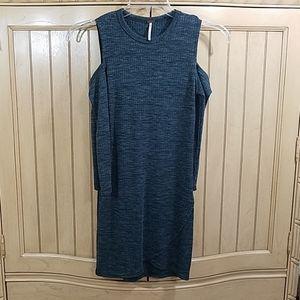 Poof Cold Shoulder Gray Knit Dress, sz Large